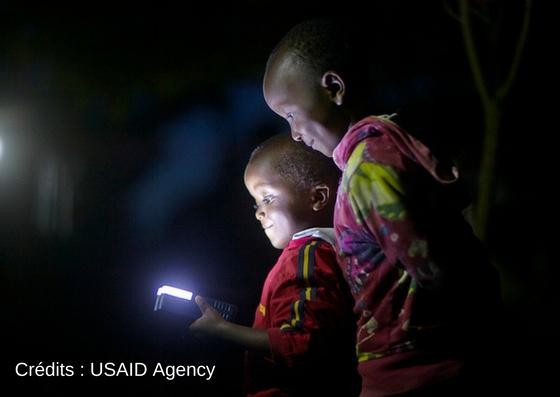 Les lampes solaires inefficaces pour lutter contre la pauvreté ?